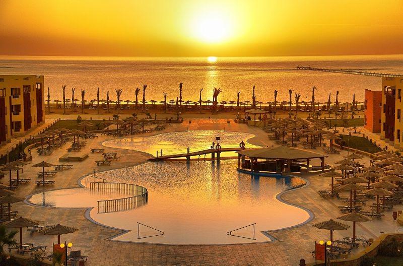 hotel-royal-tulip-beach-resort